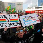 À travers le monde, des milliers de femmes manifestent pour leurs droits