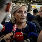 Marine Le Pen s'oppose à la venue de François Hollande dans un lycée d'Hénin-Beaumont
