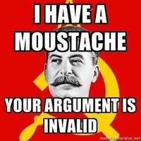 «J'ai une moustache donc votre argument est invalide