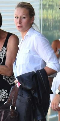 À 27 ans, Marion Maréchal-Le Pen a décidé de changer totalement de vie. «Elle est libérée», assure un de ses amis.