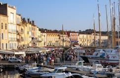 À Saint-Tropez, les prix des locations pour une une semaine chutent en moyenne de 866 euros en basse saison.
