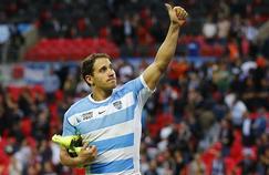 Le Puma Joaquin Tuculet salue le public après la rencontre face à la Nouvelle-Zélande en Coupe du monde.