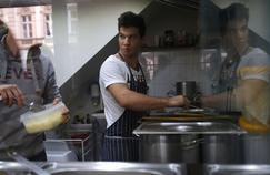 L'Organisation cible particulièrement le Royaume-Uni où la baisse du chômage est surtout liée à une politique qui force les jeunes à accepter des petits jobs.