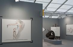 Camille Henrot sur le stand de Kamel Mennour à Frieze Art Fair.