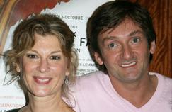 Pour les 20 ans de la pièce, les trois humoristes ont décidé de proposer une version lesbienne que joueront Michèle Laroque et Muriel Robin.