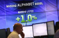 Le holding Alphabet, qui regroupe les différentes activités du moteur de recherche, est devenu mardi en séance l'entreprise cotée la plus chère du monde, avec une capitalisation boursière de 542milliards de dollars.