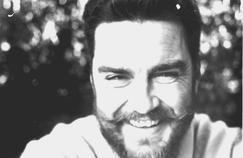 L'écrivain australien Kenneth Cook (1929-1987).