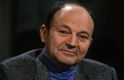 Michel Tournier en 1989 sur le plateau d'Apostrophes.