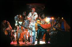 Les plus grands tubes de Maurice White et de son groupe Earth Wind and Fire continuent de faire danser le monde entier près de 50 ans après leur création.