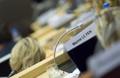 Marine Le Pen à son siège, au conseil régional de Nord-Pas-de-calais-Picardie, à Lille.
