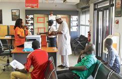 Une boutique Orange à Conakry en Guinée. En Afrique, une personne sur dix est client de l'opérateur.