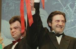 Daniel Auteuil et Pascal Duquenne se retrouvent vingt après avoir été réunis dans Le Huitième jour pour lequel ils ont reçu le Prix d'interprétation masculine à Cannes en 1996.