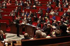 Le premier ministre, Manuel Valls, s'adressant aux députés, mardi à l'Assemblée nationale.