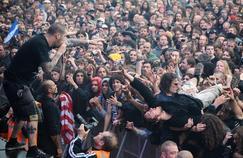 Le chanteur du groupe Phil Anselmo avait fait un salut nazi lors d'un concert à Los Angeles.
