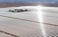 La centrale s'étale sur près de 500 hectares, l'équivalent de 700 terrains de football.