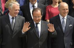 François Hollande entouré de Jean-Marc Ayrault et Laurent Fabius, en juillet 2012.