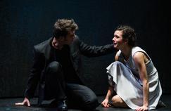 Aurore Paris (Pauline) et Bertrand Suarez-Pazos (Sévère) dans Polyeucte.