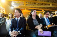 Manuel Valls, Emmanuelle Cosse (alors secrétaire nationale d'EELV) et Jérôme Guedj, à Évry en mars 2015.