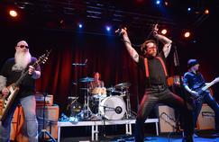 Le 13 février, les Eagles of Death Metal était sur la scène du Debaser Medis, à Stockholm, première date de reprise de leur tournée.