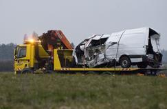 Fin mars, un minibus a percuté un poids lourd dans l'Allier, tuant ses 12 passagers en route vers le Portugal.