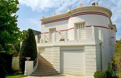 Les loyers des logements loués par des expatriés sont imposés au taux minimum de 20%, pouvant atteindre 45% lorsqu'ils sont très élevés.