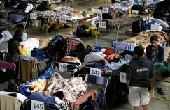 Le centre de loisirs de Lac La Biche occupé par des centaines d'évacués et volontaires.