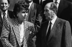 Edith Cresson et François Mitterrand le 22 mai 1991, à la sortie du premier conseil des Ministres.
