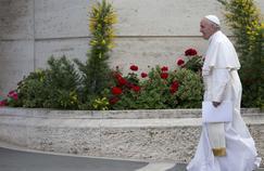 Le pape François lors de l'ouverture de la conférence épiscopale italienne, le 16 mai 2016