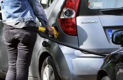 Les habitants du Var ne pourront acheter que vingt euros d'essence pour leur véhicule ou quinze euros pour le gazole, a tranché le préfet du département, ce mercredi.