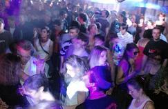 Soirée au Rex Club (Paris IIe), club le plus populaire de la capitale selon Shazam.