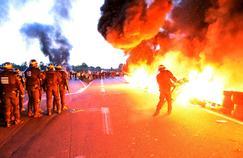 Les forces de l'ordre sont intervenues à Doucy-les-Mines pour débloquer la raffinerie, mercredi.