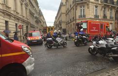 Les environs du parc Monceau étaient bloqués cet après-midi après que la foudre a frappé un groupe d'enfants.