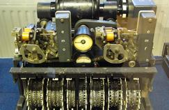 This model of the machine Lorenz, close to that which was found in the southeast of England, has twelve independent wheels and 501 points to encrypt messages.