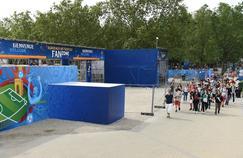 La «fan zone» de Bordeaux, place des Quinconces, le 9 juin 2016, à un jour du coup d'envoi de la compétition de football.