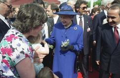 La reine Elizabeth II à Strasbourg le 12 mai 1992, après son discours au Parlement européen, où elle se rendait pour la première fois.