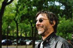 D'après l'éditeur Aurélien Masson, Maurice G.Dantec «s'était forgé une carapace, celle de ces gens qui ont un rapport compliqué au monde. Sa vie me rappelle cette phrase de Neil Young: «il vaut mieux brûler que rouiller.» C'était une sorte d'ovni flamboyant.»