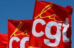 Des drapeaux de la CGT.