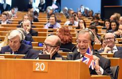 Nigel Farage, leader du parti Ukip, lors de la session parlementaire de ce mardi.