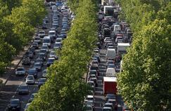 Des embouteillages sur les quais de Seine, à Paris.