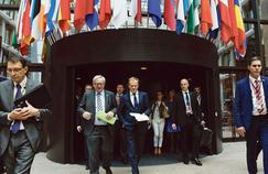 Jean-Claude Juncker, le président de la Commission européenne, et Donald Tusk, le président du Conseil européen, mercredi à Bruxelles.