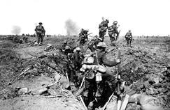 Soldats britanniques en septembre 1916, lors de l'offensive à Morval.