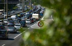 La route sera longue dans le sens des départs, samedi, journée classée rouge dans toute la France par Bison Futé.