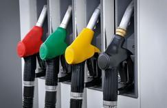Essence ou diesel, quelques astuces vous permettront de réduire la consommation de votre voiture.
