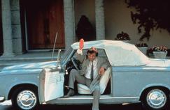 Deux berlines tronçonnées et trois vrais cabriolets ont été utilisés au cours de la série Columbo.