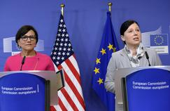 Vera Jourova et Penny Pritzker, le 12 juillet à la Commission européenne.