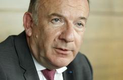Pierre Gattaz, président du Medef, dans son bureau, mardi à Paris.