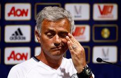 José Mourinho a refusé de signer un maillot de Chelsea