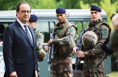 En déplacement, lundi matin, au fort de Vincennes, pour rencontrer les militaires de l'opération «Sentinelle», le chef de l'État a promis la «transparence».