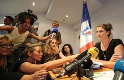La policière municipale de Nice, Sandra Bertin, lors de sa conférence de presse, dimanche soir, à Nice.