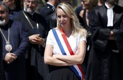 Marion Maréchal Le Pen, lors de la minute de silence observée le 18 juillet en mémoire aux victimes de l'attentat de Nice.